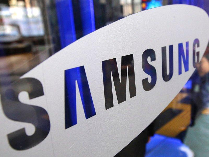 Phones drive Samsung  to record profit