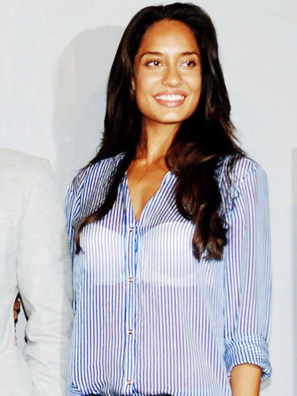 <p><strong>Lisa Haydon</strong>: Miss Haydon flaunted a white padded bra under her pinstriped shirt. We really wish she had picked better lingerie if she was so keen on exhibiting it.</p>