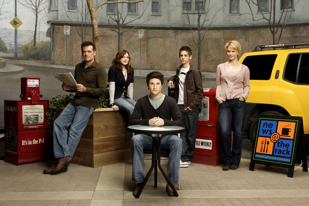 "<a href=""/kyle-xy/show/38502"">Kyle XY</a>, returning January 14, 2008 to ABC Family."