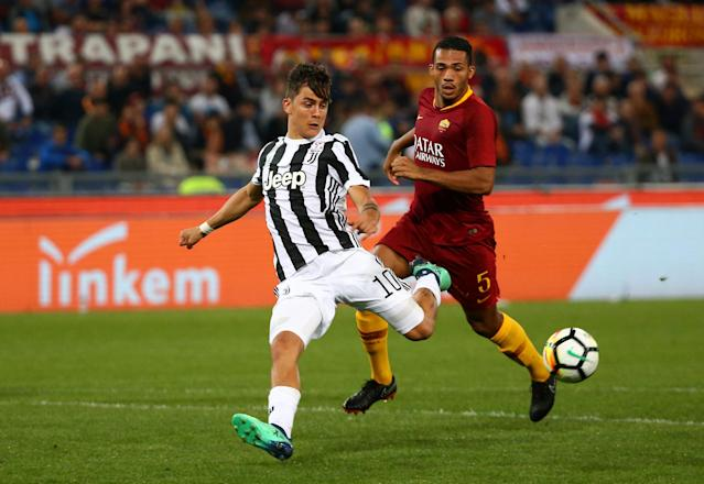 Soccer Football - Serie A - AS Roma vs Juventus - Stadio Olimpico, Rome, Italy - May 13, 2018 Juventus' Paulo Dybala in action with Roma's Juan Jesus REUTERS/Alessandro Bianchi