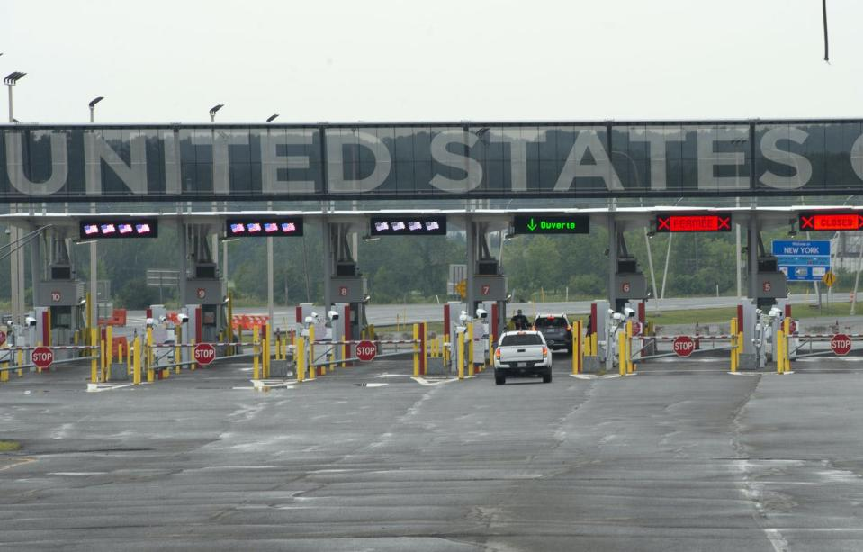 UNITED STATES in capital letters at border crossing