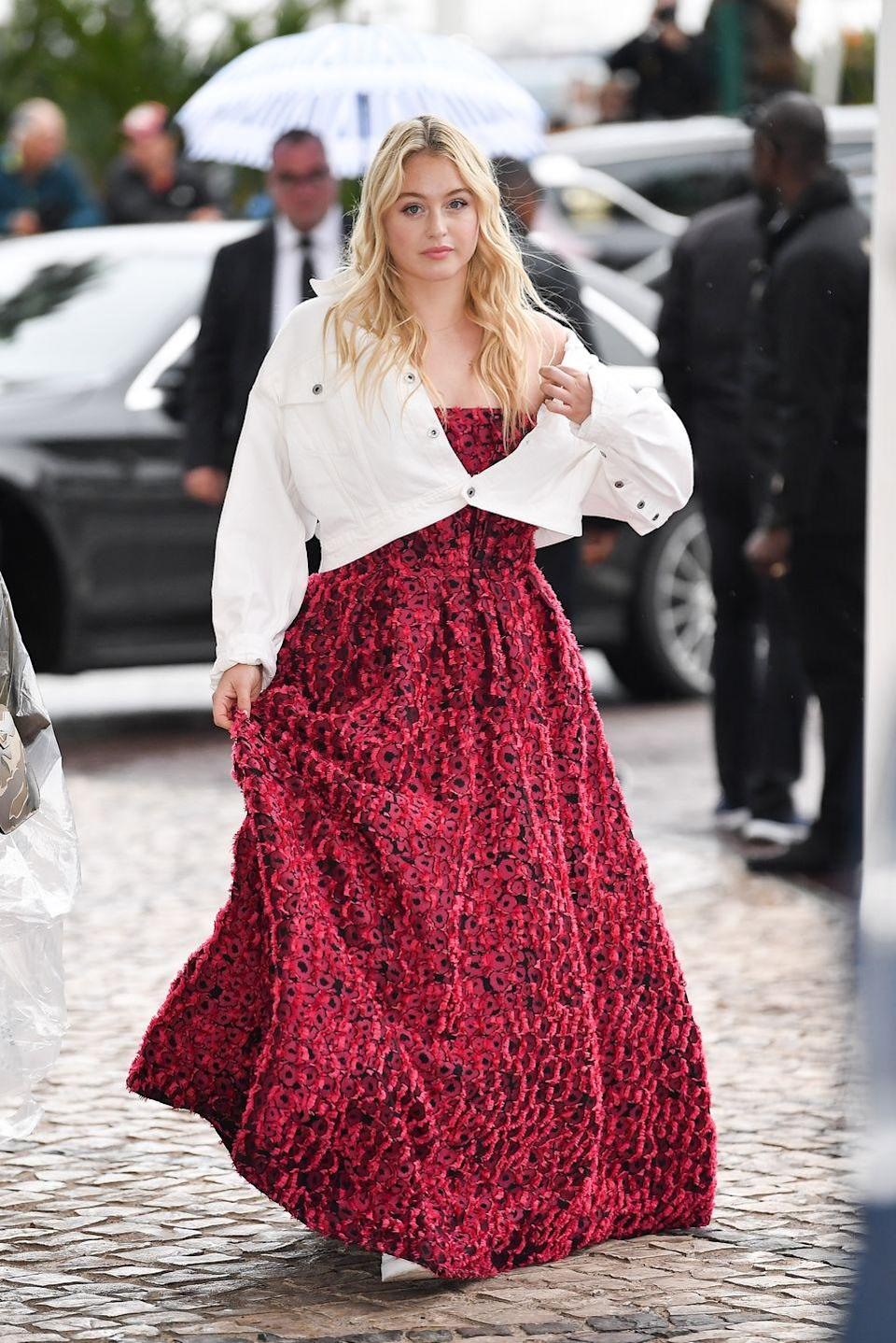 <p>This styling trick comes to you straight from plus size model Iskra Lawrence and it can be used with literally any outfit. Throw on your cropped denim and fasten a single button to make any summer staple dress code appropriate. </p>