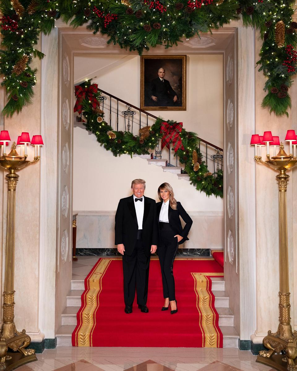 trump christmas photo