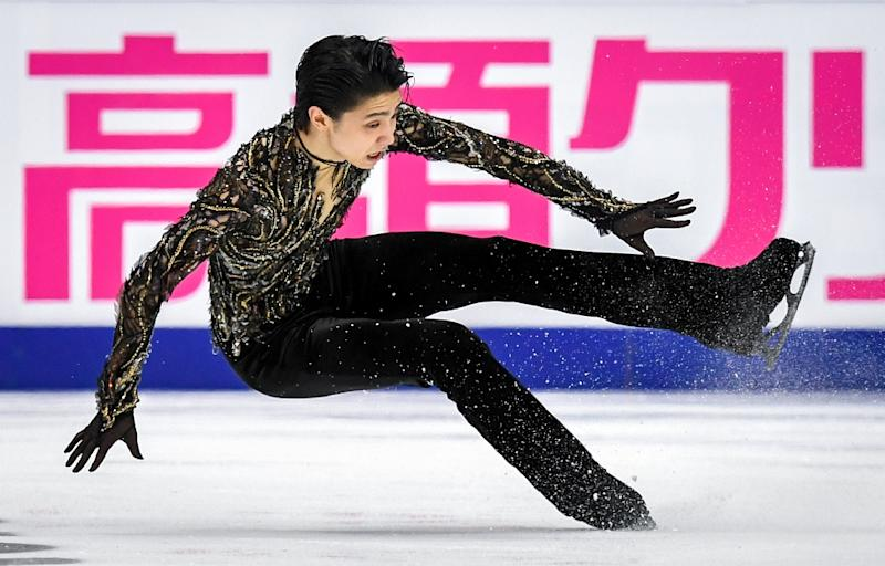 Yuzuru Hanyu struggled during parts of his free routine but came through to win the men's title in Moscow