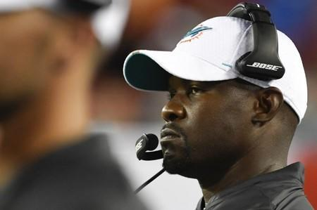 FILE PHOTO: NFL: Preseason-Miami Dolphins at Tampa Bay Buccaneers