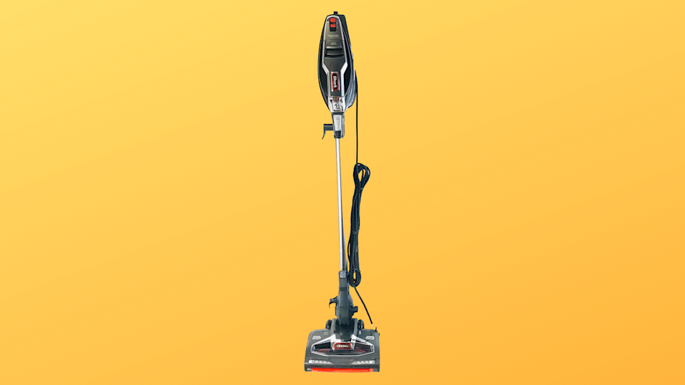 Ultra-light and super-powerful—and only one of many Shark vacuums you can get for half off at Amazon right now. (Photo: Amazon/Yahoo Lifestyle)(Photo: Amazon/Yahoo Lifestyle)
