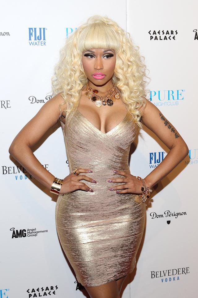 "Nicki Minaj rung in the New Year at PURE in Las Vegas in a familiar 'do. Hey, Nicki, Daryl Hanna called, and she wants her ""Splash"" hair back."