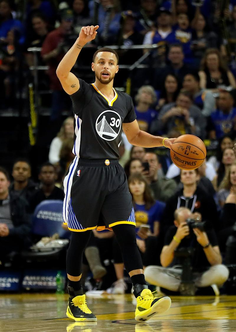 Basketball - Kerr purrs at Warriors defence after Mavs rout