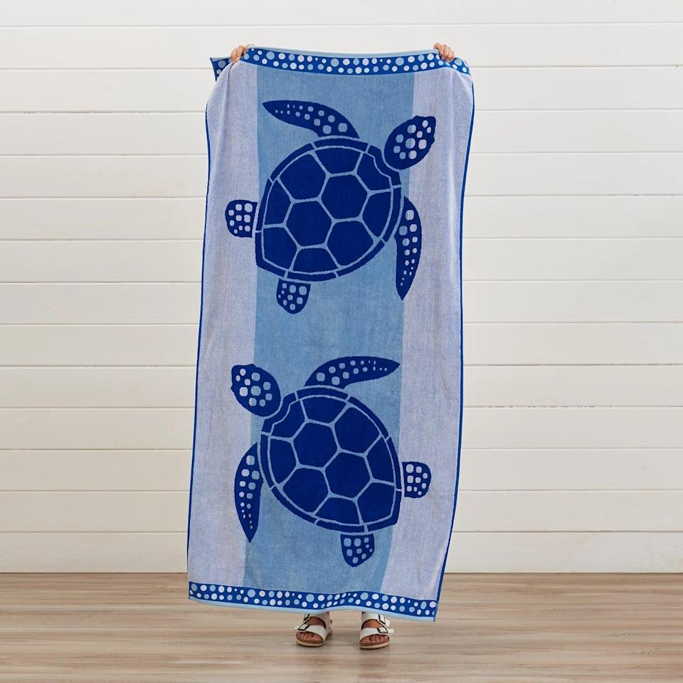 <p>How cute is this <span>Great Bay Home Oversized Plush Jacquard Beach Towel</span> ($28)?! It's bold, blue, and who can say no to turtles.</p>