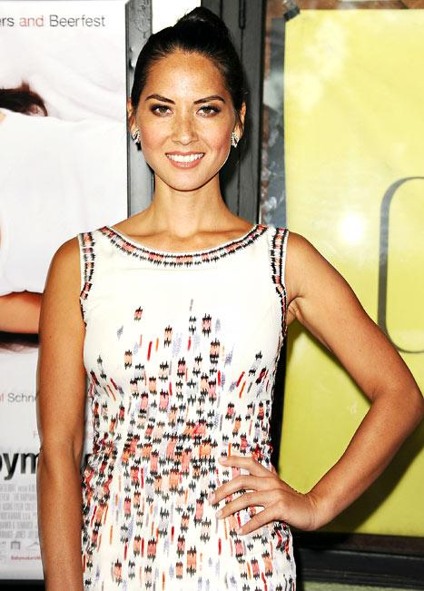 """Olivia Munn Opens Up About Rare Disorder: """"I Rip Out My Eyelashes"""""""