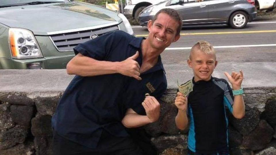 6-Year-Old Hawaiian Surfer Returns Gold Ring Lost 18 Years Ago (ABC News)