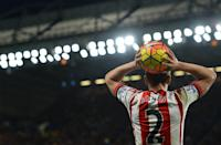 Sunderland's defender Billy Jones takes a throw during a match against Chelsea in London on December 19, 2015 (AFP Photo/Glyn Kirk)