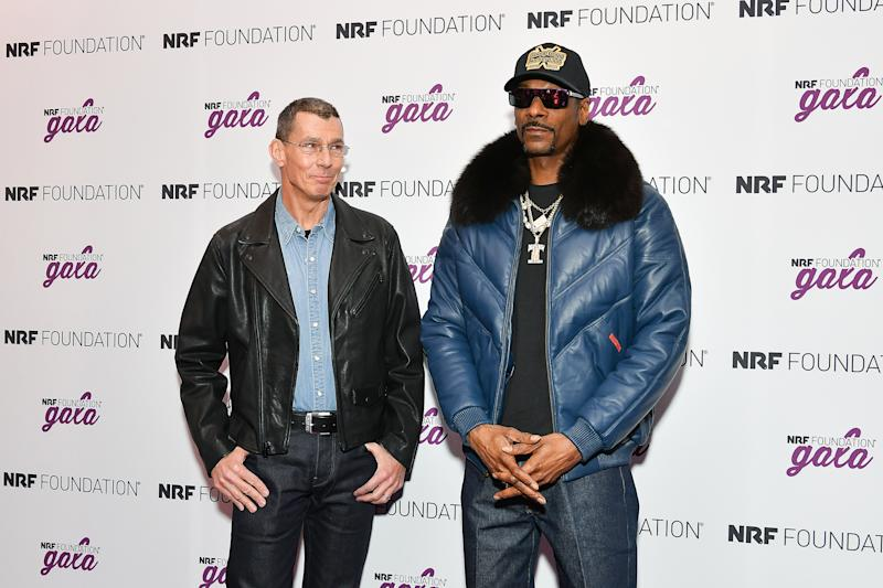 NEW YORK, NEW YORK - JANUARY 13: Levi Strauss & Co president & CEO Chip Bergh (L) and Snoop Dogg attend the 5th Annual NRF Foundation Gala at the Sheraton New York Times Square on January 13, 2019 in New York City. (Photo by Dia Dipasupil/Getty Images)