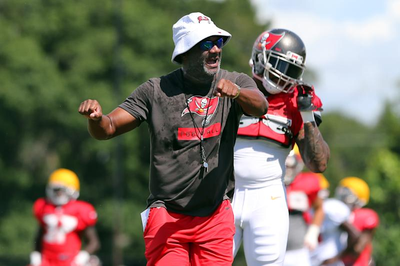 TAMPA, FL - AUG 06: Special Teams Coordinator Keith Armstrong gives instructions during the Tampa Bay Buccaneers Training Camp on August 06, 2019 at the AdventHealth Training Center at One Buccaneer Place in Tampa, Florida. (Photo by Cliff Welch/Icon Sportswire via Getty Images)