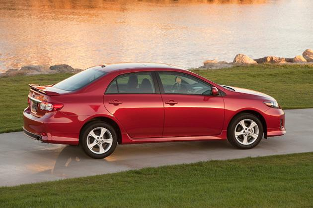 """<p style=""""text-align:right;"""">  <b><a href=""""https://ca.autos.yahoo.com/toyota/corolla/2013/"""" target=""""_blank"""">2013 Toyota Corolla 4dr Sdn Auto LE</a></b><br>  <b>TOTAL SAVINGS $3,446</b><br>  <a href=""""https://www.unhaggle.com/yahoo/"""" target=""""_blank""""><img src=""""https://www.unhaggle.com/static/uploads/logo.png""""></a>  <a href=""""https://www.unhaggle.com/dealer-cost/report/form/?year=2013&make=Toyota&model=Corolla&style_id=355232"""" target=""""_blank""""><img src=""""https://www.unhaggle.com/static/uploads/getthisdeal.png""""></a><br>  </p>  <div style=""""text-align:right;"""">  <br><b>Manufacturer Suggested Retail Price</b>:  <b>$21,170</b>  <br><br><a href=""""https://www.unhaggle.com/Toyota/Corolla/Incentives/"""" target=""""_blank"""">Toyota Canada Incentive</a>*: $2,500  <br>Unhaggle Savings: $946  <br><b>Total Savings: $3,446</b>  <br><br>Mandatory Fees (Freight, Govt. Fees): $1,520  <br><b>Total Before Tax: $19,244</b>  </div>  <br><br><p style=""""font-size:85%;color:#777;"""">  * Manufacturer incentive displayed is for cash purchases and may differ if leasing or financing. For more information on purchasing any of these vehicles or others, please visit <a href=""""http://www.unhaggle.com"""" target=""""_blank"""">Unhaggle.com</a>. While data is accurate at time of publication, pricing and incentives may be updated or discontinued by individual dealers or manufacturers at any time. Vehicle availability is also subject to change based on market conditions. Unhaggle Savings is a proprietary estimate of expected discount in addition to manufacturer incentive based on actual savings by Unhaggle customers  </p>"""