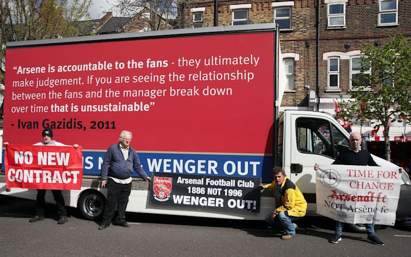 Arsenal protest van PA