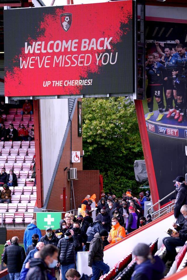 A crowd of 2,000 was expected at the Vitality Stadium