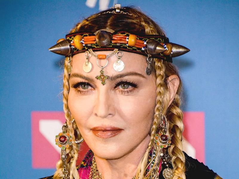 Madonna cancels Paris show following stage fall