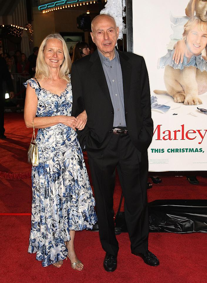 "<a href=""http://movies.yahoo.com/movie/contributor/1800021870"">Alan Arkin</a> and wife at the Los Angeles premiere of <a href=""http://movies.yahoo.com/movie/1809995057/info"">Marley & Me</a> - 12/11/2008"
