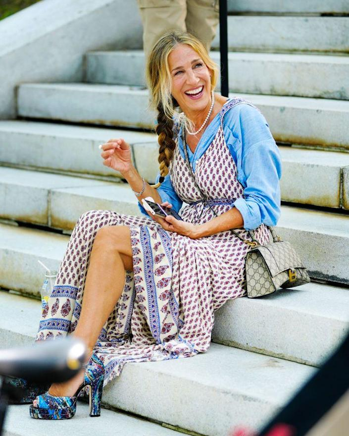 <p>Carrie Bradshaw always did love layers. </p>