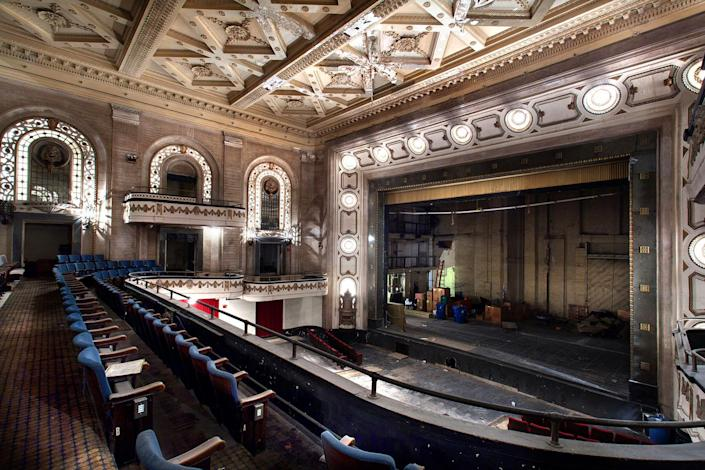 """<p>Lambros does say: """"If I had to choose one, it would be the before and after restoration series of the Kings Theatre in Brooklyn."""" (Photo: Matt Lambros/Caters News) </p>"""