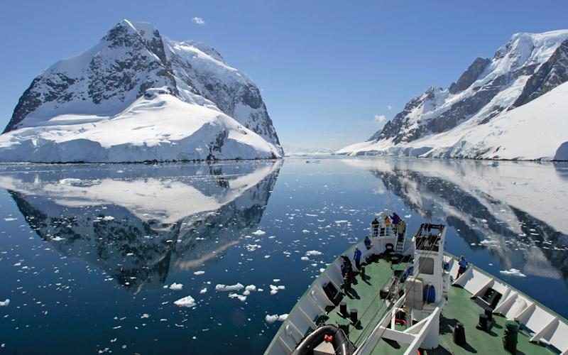 Cruising through Lemaire Channel in Antarctica - oversnap