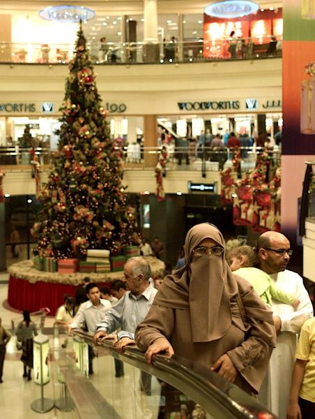 Dubai boasts some of the world's glitziest malls and an annual shopping festival that promises rock-bottom prices so the introduction of VAT marks a major change (AFP Photo/NASSER YOUNES)
