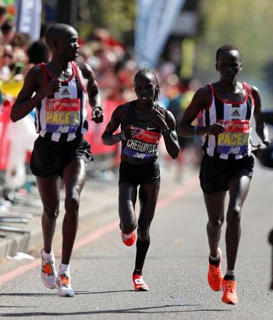 Athletics - London Marathon - London, Britain - April 22, 2018 Kenya's Vivian Cheruiyot in action during the women's elite race REUTERS/Peter Cziborra