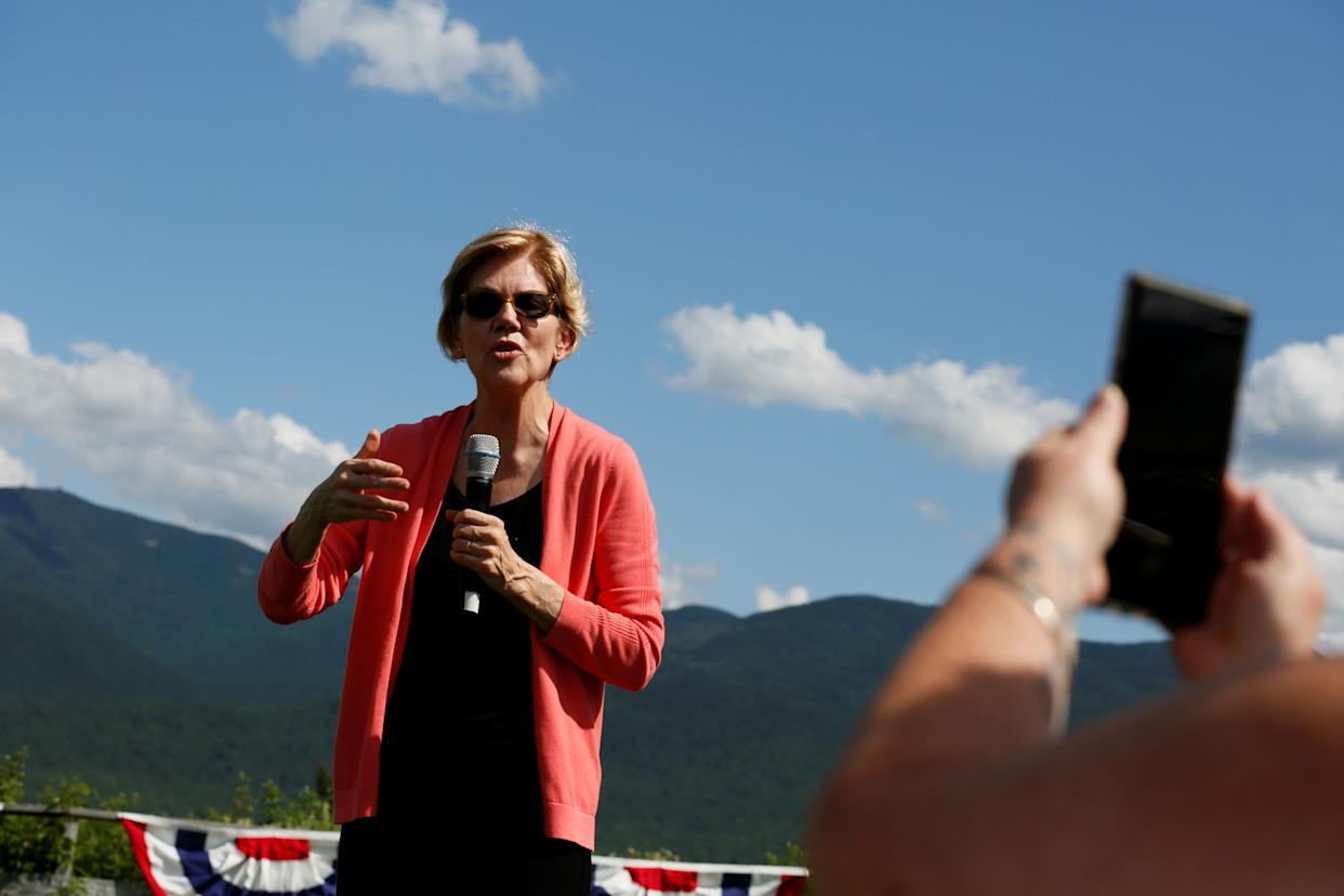 Sen. Elizabeth Warren (D-Mass.) will introduce a bill in the coming months to strip the Medal of Honor from 20 U.S. soldiers who slaughtered hundreds of Native American women and children in the Wounded Knee Massacre of 1890. (Photo: Elizabeth Frantz / Reuters)