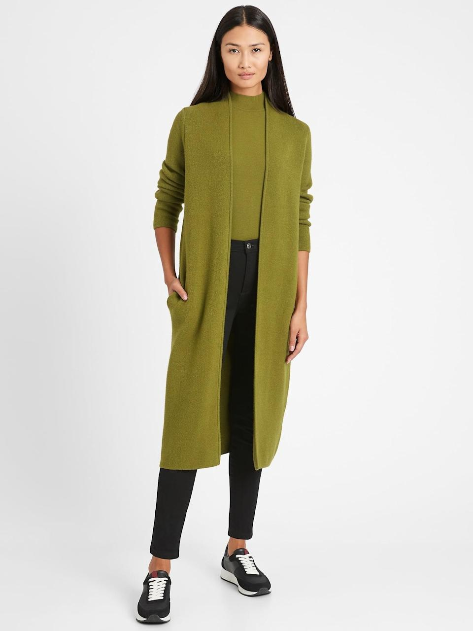 <p>Many are suggesting open air or well-ventilated Thanksgiving dinners. We thought the <span>Banana Republic Birdseye Duster Coatigan</span> ($139) could be the perfect cover up if it gets a bit chilly!</p>