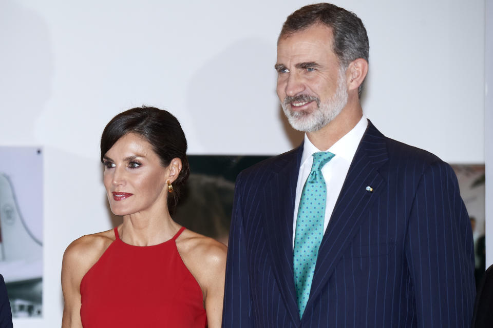 HAVANA, CUBA - NOVEMBER 12: King Felipe VI of Spain and Queen Letizia of Spain attend 'Espana y Cuba: Contigo en la Distancia' exhibition at Alicia Alonso Gran Theater on November 12, 2019 in La Havana, Cuba. King Felipe VI of Spain and Queen Letizia of Spain are visiting Cuba first time for three days. (Photo by Carlos Alvarez/Getty Images)