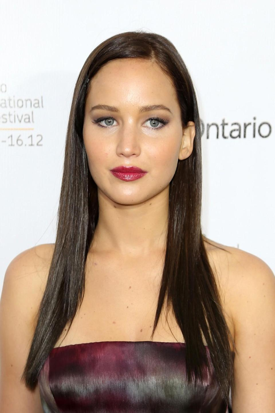 <p>While promoting 'Silver Linings Playbook', Jennifer looked very similar to model Bella Hadid with her long, straight dark hair. [Photo: Getty] </p>