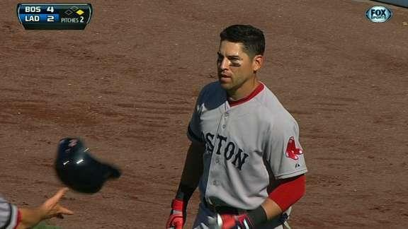 Jacoby Ellsbury loses track of outs, gets tagged out near Red Sox dugout