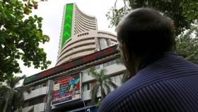 Benchmark indices close higher on RBI rate cut hopes, Sensex rebounds 277 pts, Nifty recovered 86 pts