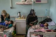 Mirwais hospital in Kandahar is struggling with an influx of patients and a lack of resources (AFP/BULENT KILIC)