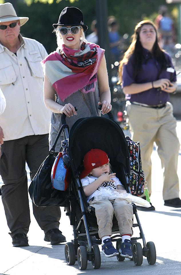 Zuma, meanwhile, was content to have a snack while his mommy pushed him around in a stroller. (3/3/2012)