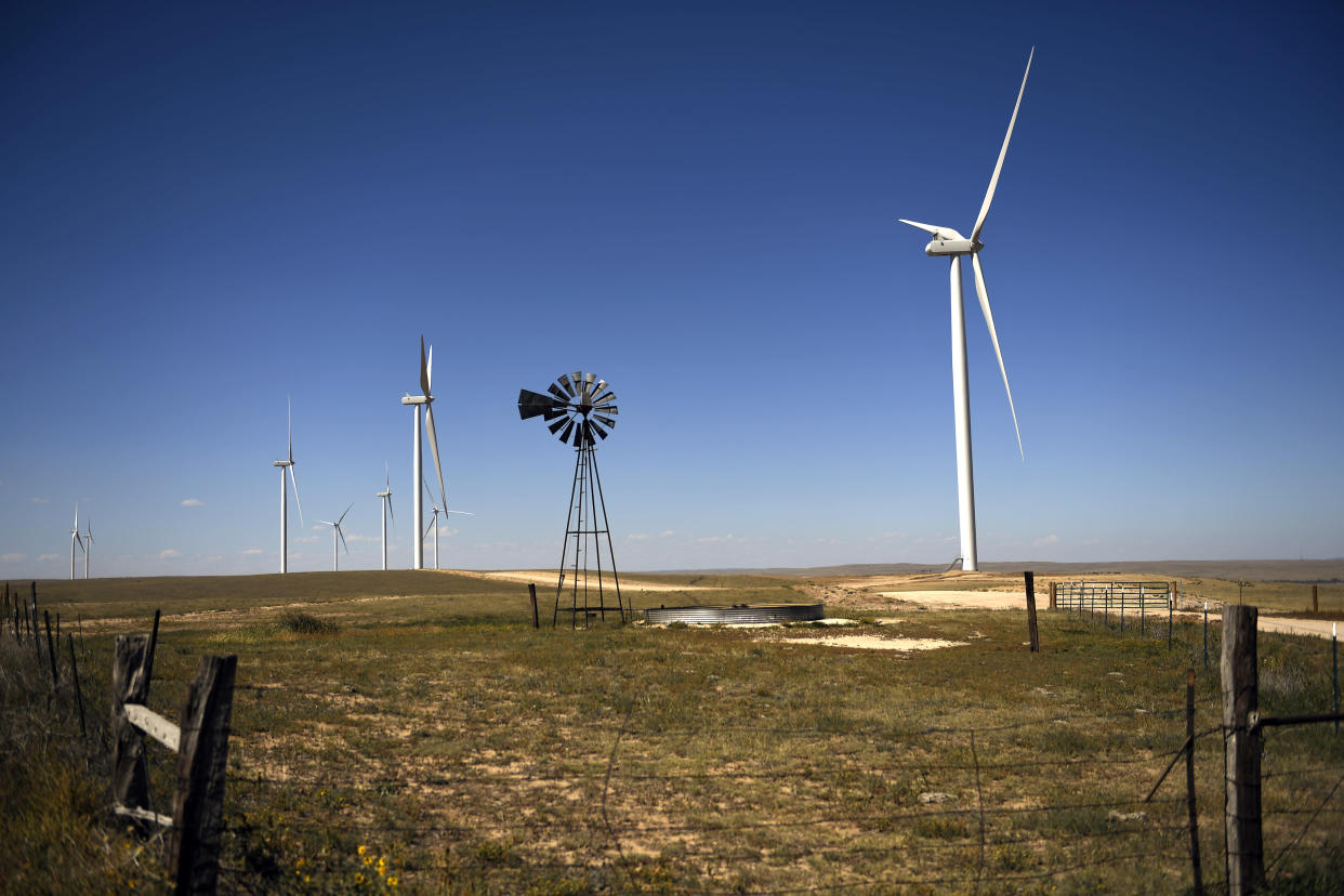 Xcel Energy's Rush Creek Wind Farm and Transmission turbines in Matheson, Colo., mix agriculture and technology in the largest single-phase wind project in the U.S. (Photo: Joe Amon/Denver Post via Getty Images)