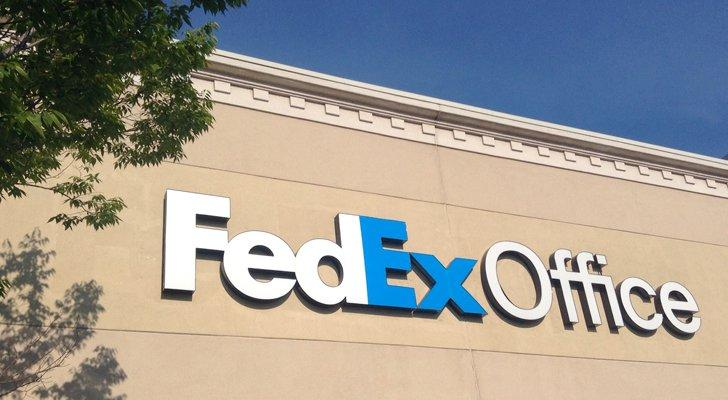 FDX Stock: FedEx Corporation (FDX) Stock Delivers a Bearish Package