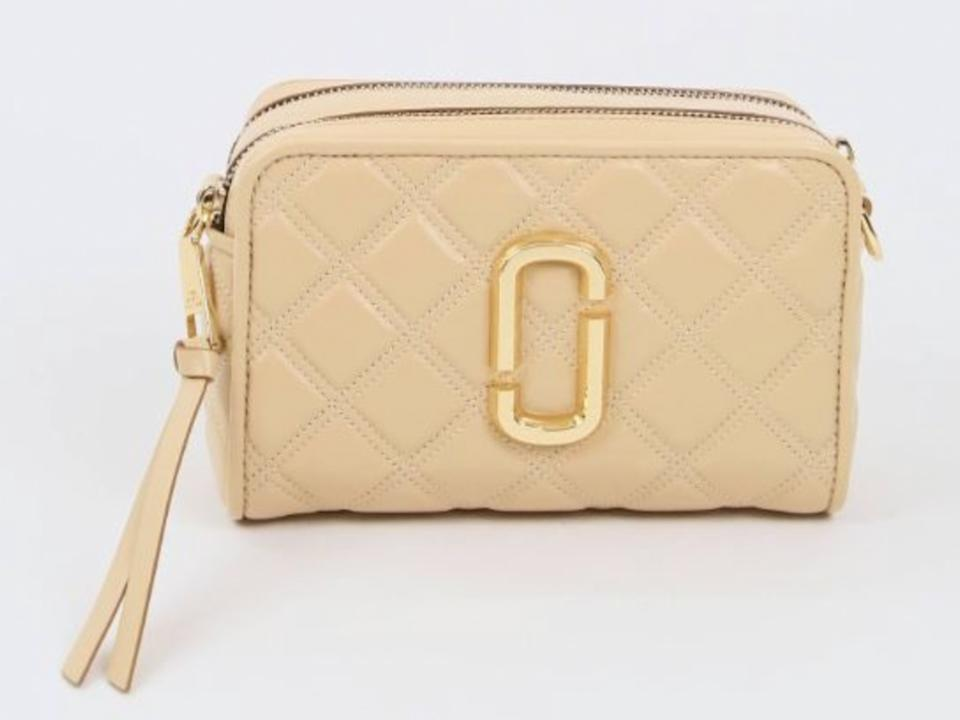 MARC JACOBS Marc Jacobs The Quilted SoftShot 21 M0015419 Crossbody Bag In Beige