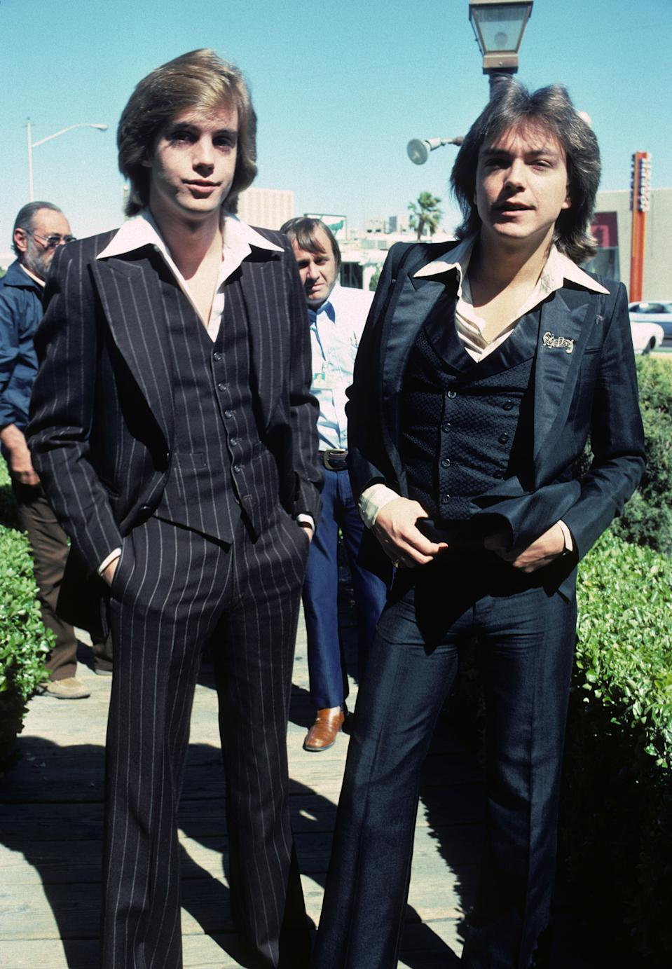 Shaun and David Cassidy in 1977. (Photo: Getty Images)