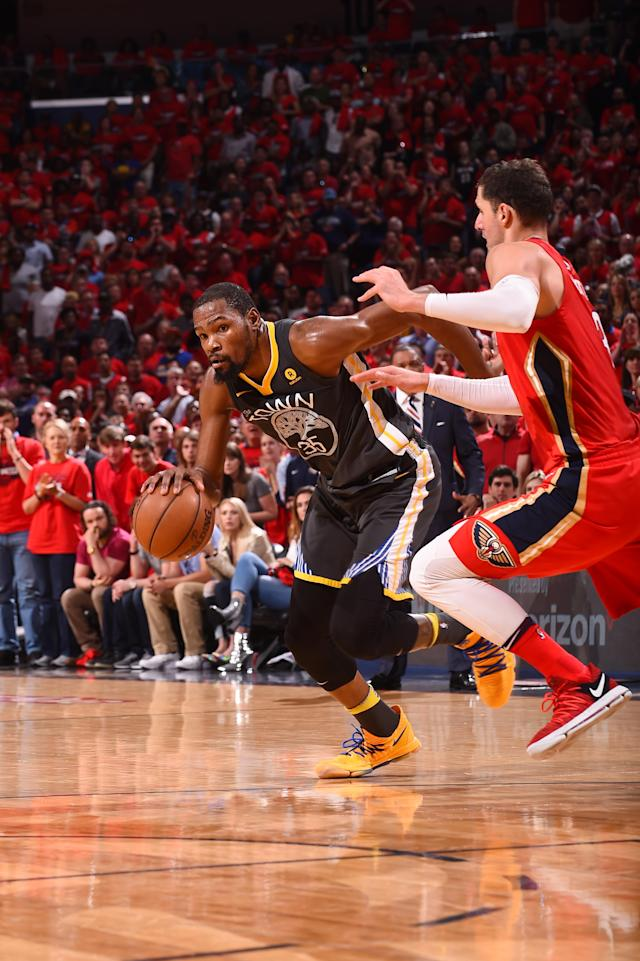 NEW ORLEANS, LA - MAY 6: Kevin Durant #35 of the Golden State Warriors handles the ball against the New Orleans Pelicans during Game Four of the Western Conference Semifinals of the 2018 NBA Playoffs on May 6, 2018 at Smoothie King Center in New Orleans, Louisiana. (Photo by Noah Graham/NBAE via Getty Images)