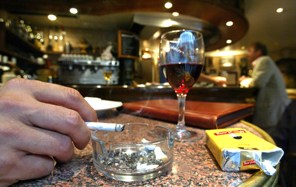 A new study found that red wine has stopped the body from releasing microparticles that are caused by smoking.