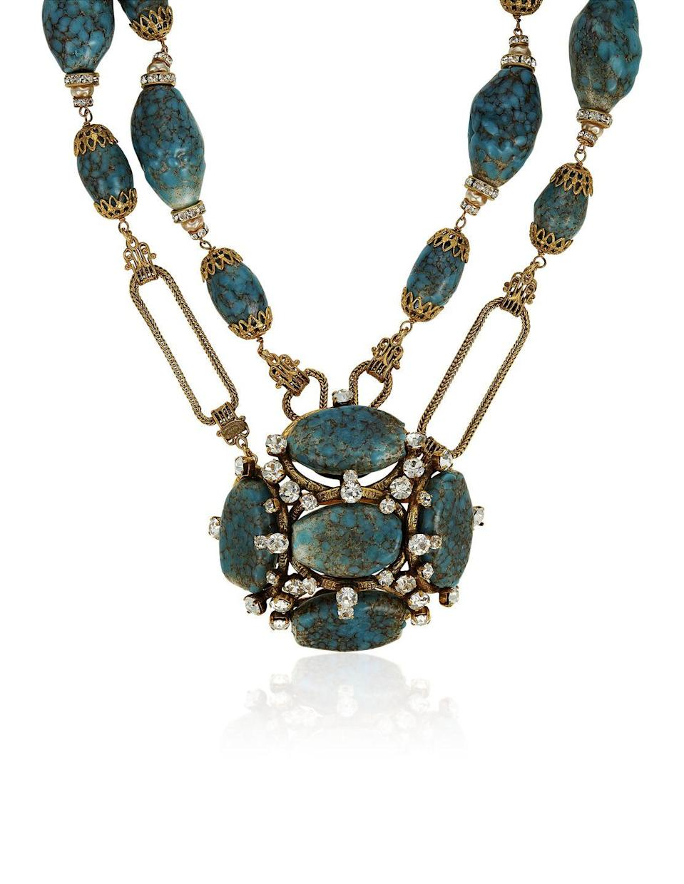 <p>This blue beauty is estimated to be worth $2,000 to $3,000. </p>
