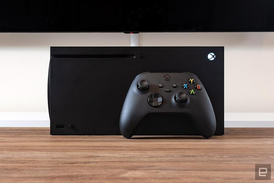 Xbox Series X console and Xbox Wireless Controller