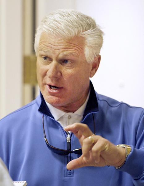 Atlanta Braves general manager Frank Wren talks with the media at the annual baseball general managers meeting, Tuesday, Nov. 12, 2013, in Orlando, Fla. (AP Photo/Reinhold Matay)