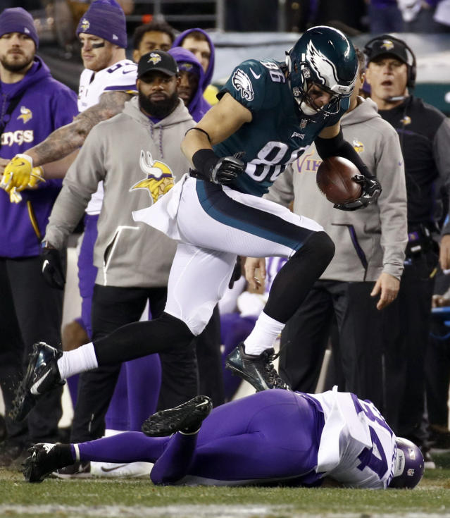 <p>Philadelphia Eagles' Zach Ertz catches a pass during the first half of the NFL football NFC championship game against the Minnesota Vikings Sunday, Jan. 21, 2018, in Philadelphia. (AP Photo/Patrick Semansky) </p>