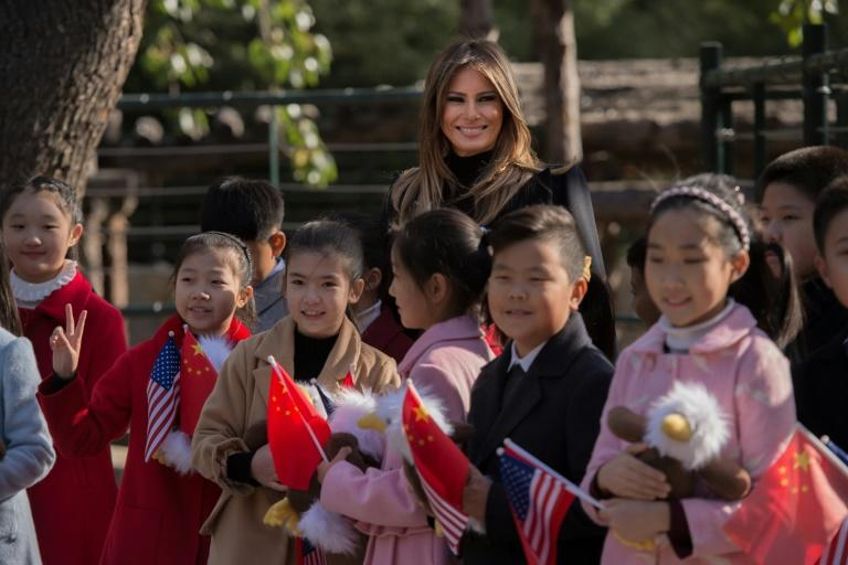 Melania Trump presented stuffed toy eagles to children at the Beijing Zoo