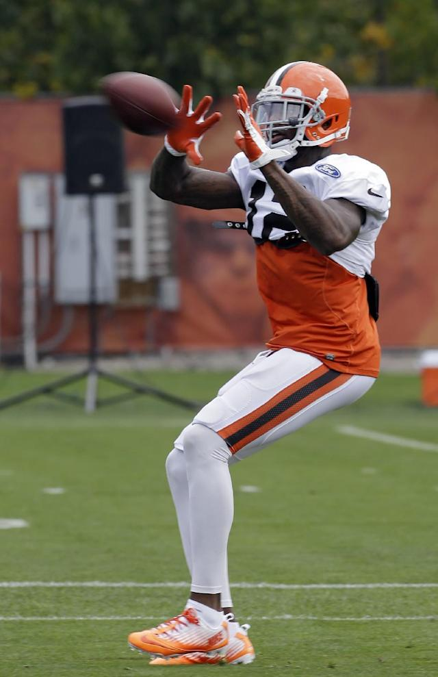 Cleveland Browns wide receiver Josh Gordon makes a catch during NFL Football practice at the team's training facility in Berea, Ohio Wednesday, Sept. 18, 2013. After serving a two-game suspension, Gordon will be back in the lineup against the Minnesota Vikings on Sunday. (AP Photo/Mark Duncan)