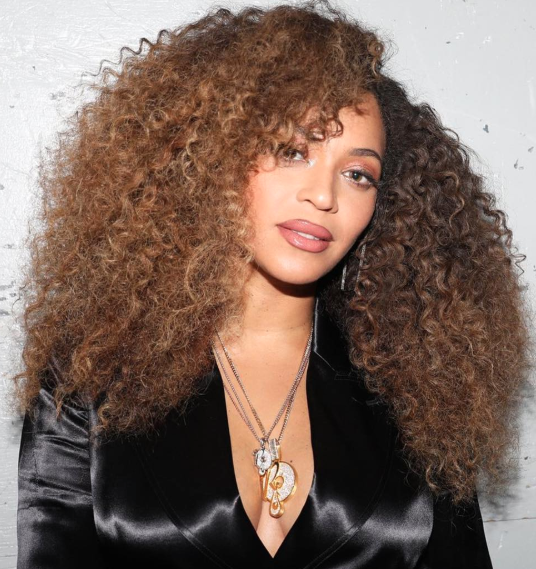 <p>Queen Bey made a triumphant return to her big badass curls courtesy of A-list hairstylist Neal Farinah. Farinah captioned the picture of Beyoncé's new super mane, 'SERVING ALL NATURAL CURLY HAIR :CHECKED'.</p>