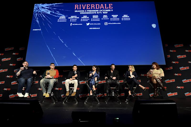 Damian Holbrook, Roberto Aguirre-Sacasa, Mark Consuelos, Marisol Nichols, Skeet Ulrich, Madchen Amick e Molly Ringwald em painel na New York Comic Con 2019. Foto: Ilya S. Savenok/Getty Images for ReedPOP